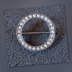 Estate Pearl & Sterling Silver Pin